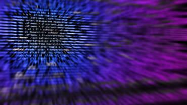 Danmarks første cyberværnepligtige sætter sig bag skærmen