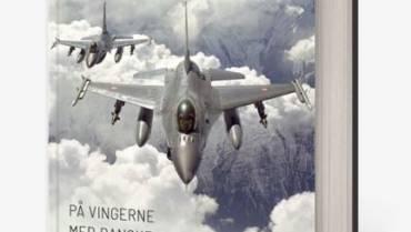 Boganmeldelse: F-16 – På vingerne med danske jagerpiloter