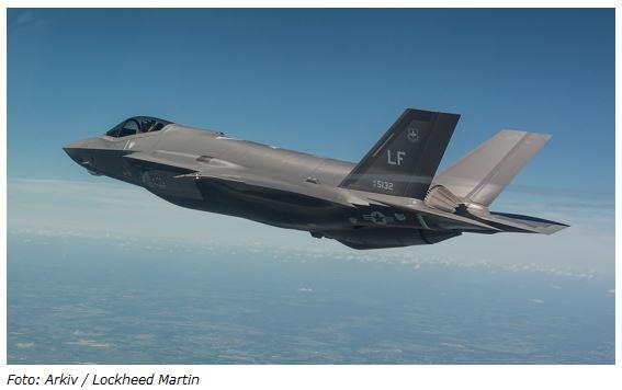 Folketinget har landet lov der igangsætter byggeri til F-35-fly